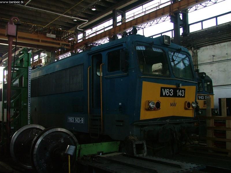 V63 143 Ferencvárosban fotó