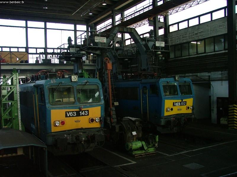 V63 143 és 152 Ferencvárosban fotó
