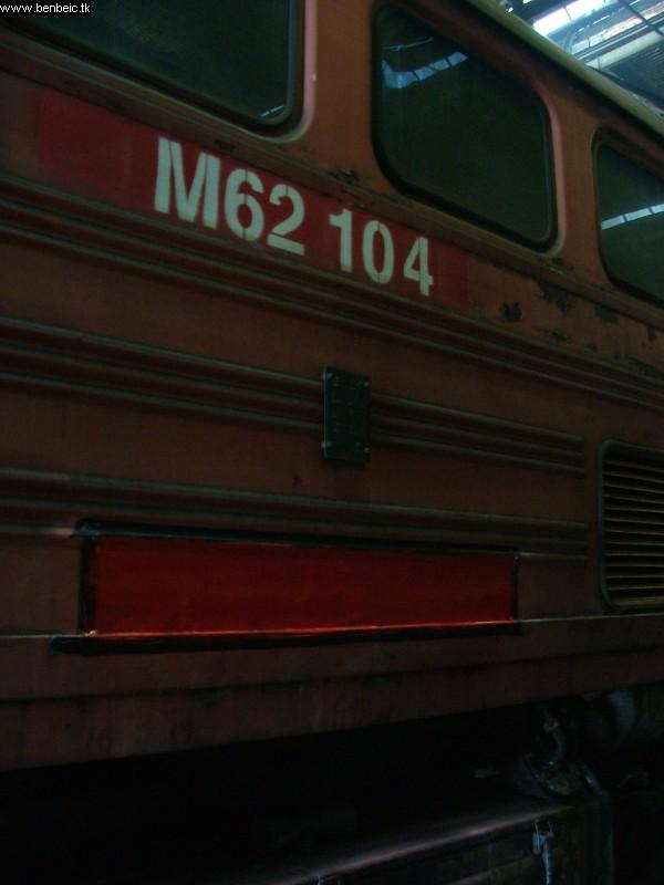 M62 104 az oldalán a statisztikai szám számára elõkészített helyjel fotó
