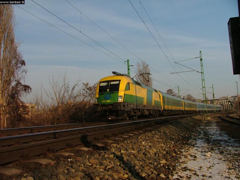 1047 505-1 A Bartók Béla úti felüljárónál fotó