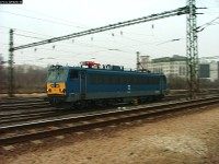 A panned picture of V63 138 at Kelenföld