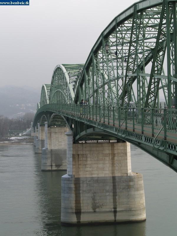 A Mária Valéria-híd fotó