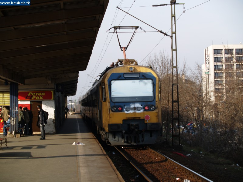 BDVmot 018 Zugló megállóhelyen fotó