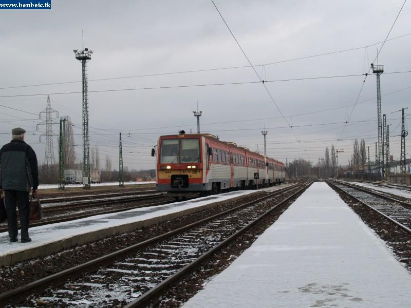 6341 010 Óbuda állomáson fotó