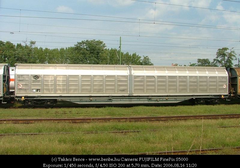 MÁV Habblnss eltolható-oldalfalú teherkocsi fotó