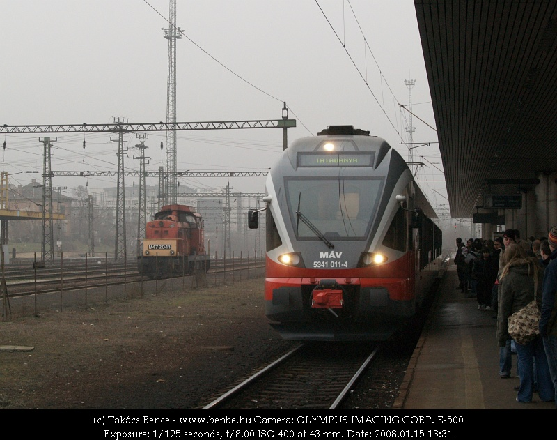 The M47 2041 and 5341 011-4 at Kelenföld station photo