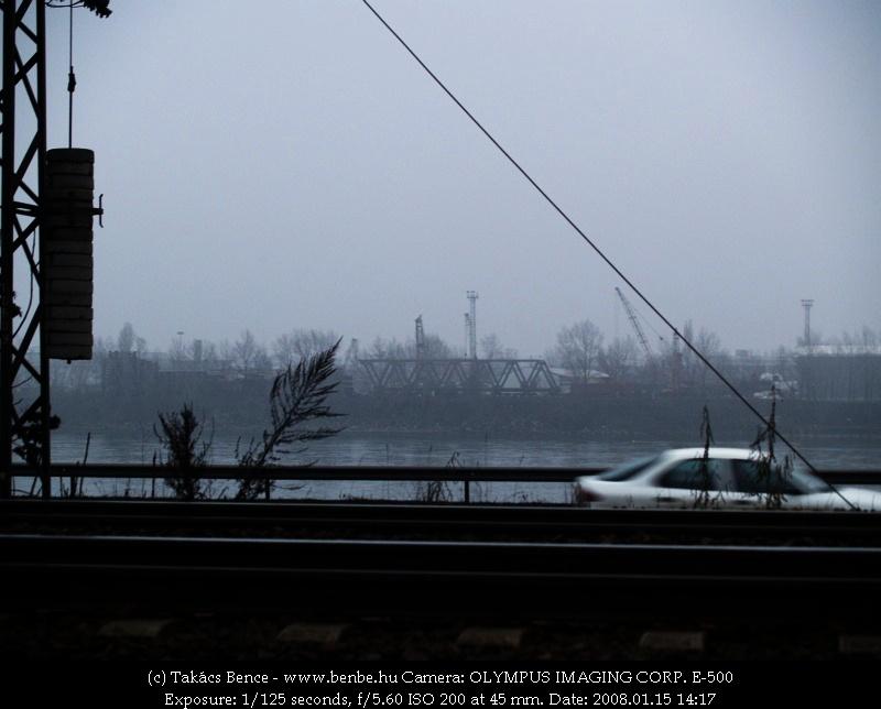 Egy lopott pillantás a Hídépítõ telephelyén összeszerelés alatt álló új Újpesti vasúti hídról fotó