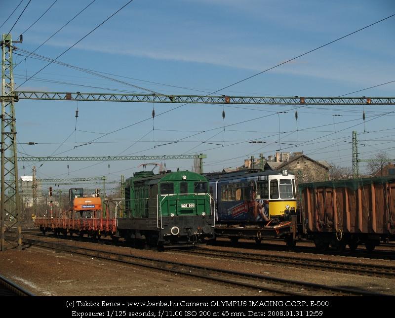 Stuttgarti villamos úton Iasiba, mellette a Nagybobo fotó