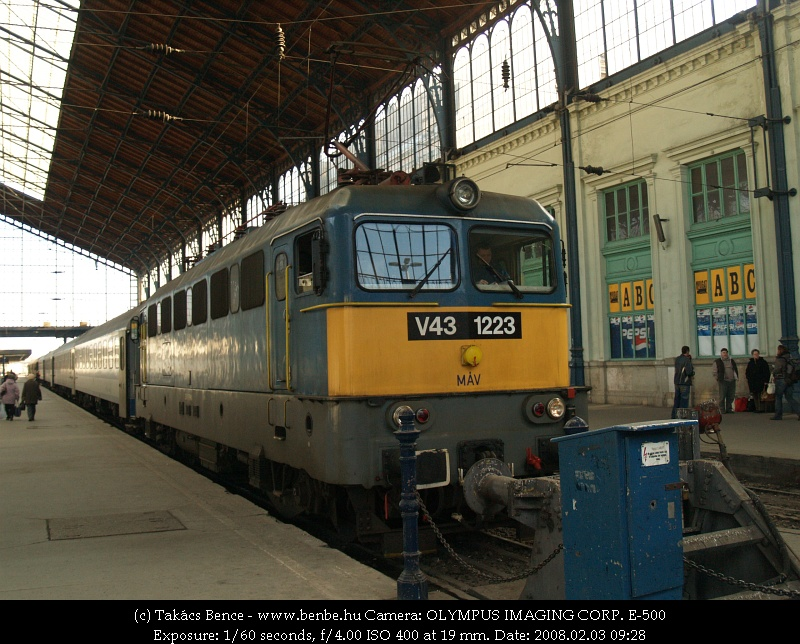 V43 1223 a Nyugatiban fotó