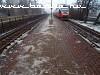 5342 010-5 az igen jeges Budafok-Belvárosi peron mellett vágtat el
