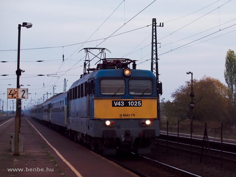 V43 1025 Vámosgyörkön fotó
