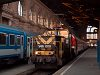 The V46 008 is shunting with the IC R�k�czi's cars (bound Ko�ice, Slovakia) at Budapest Keleti station
