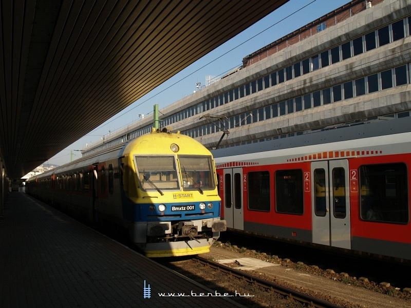 Bmxtz 001 a Déli pályaudvaron fotó