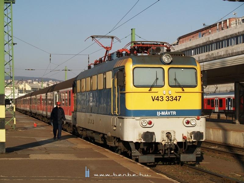 V43 3347 a Déli pályaudvaron fotó