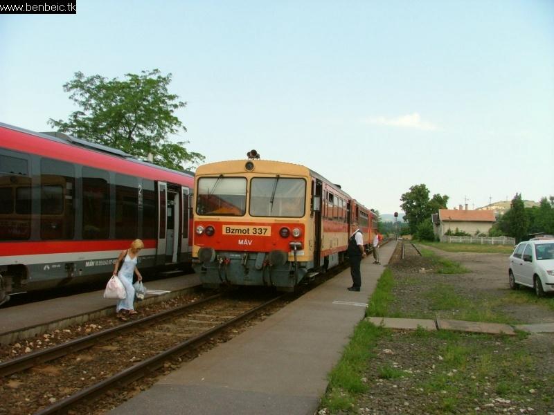 Bzmot 337 Esztergom-Kertvárosban fotó
