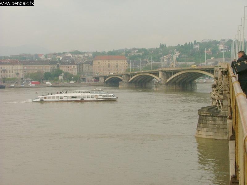 A budai part és a Margit híd fotó