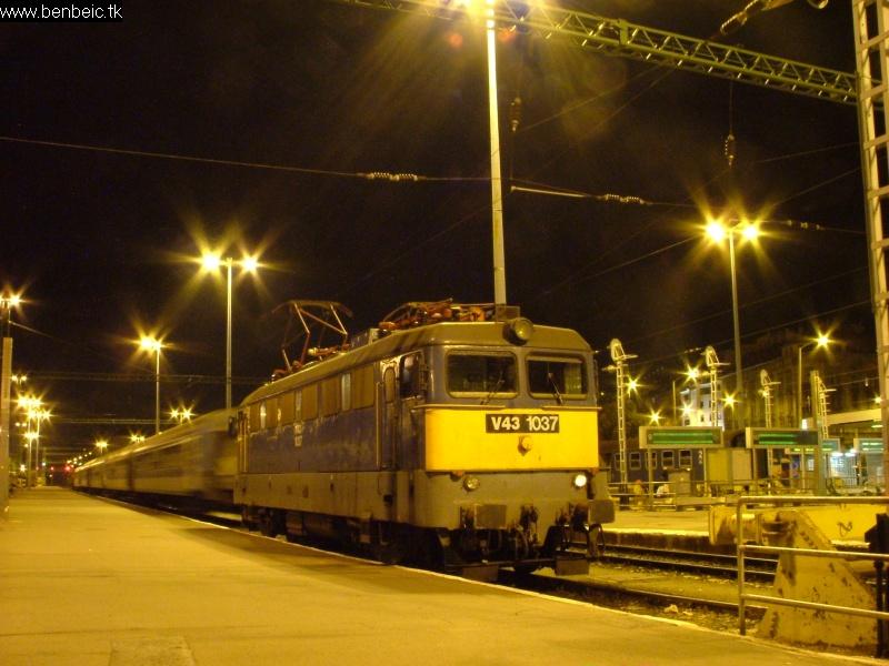 V43 1037 a Déliben fotó