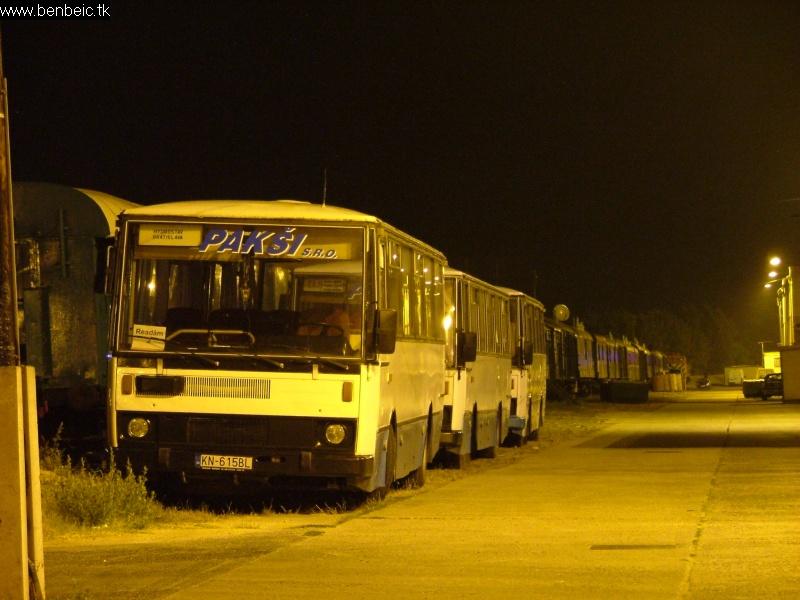 Magánbuszok Komáromban fotó
