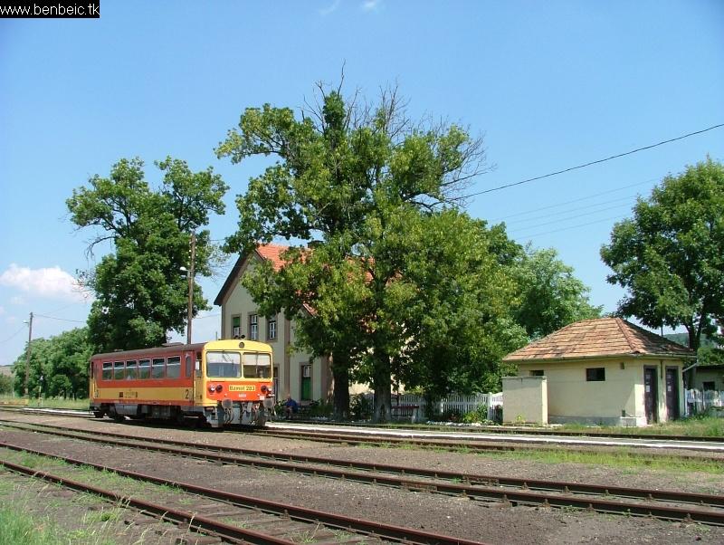 Bzmot 283 Nógrádszakál állomáson fotó