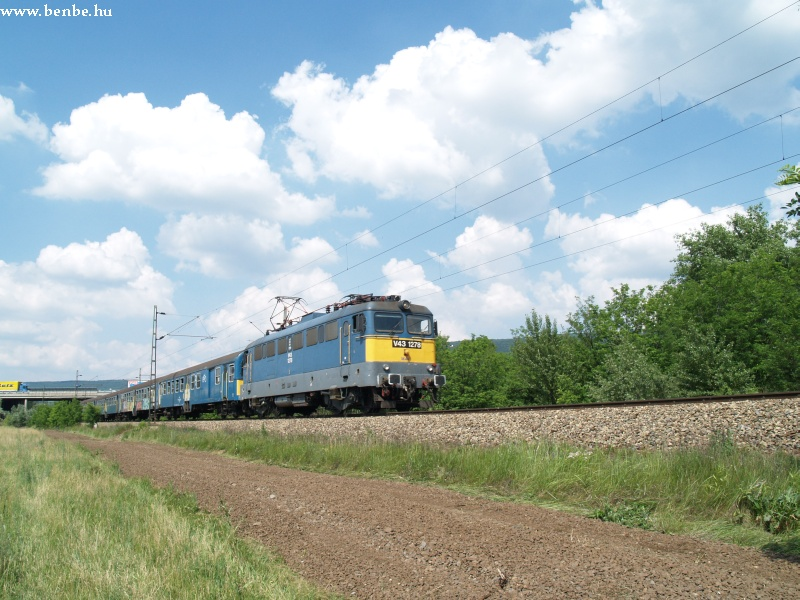 V43 1278 Tatabánya és Vértesszõlõs között fotó