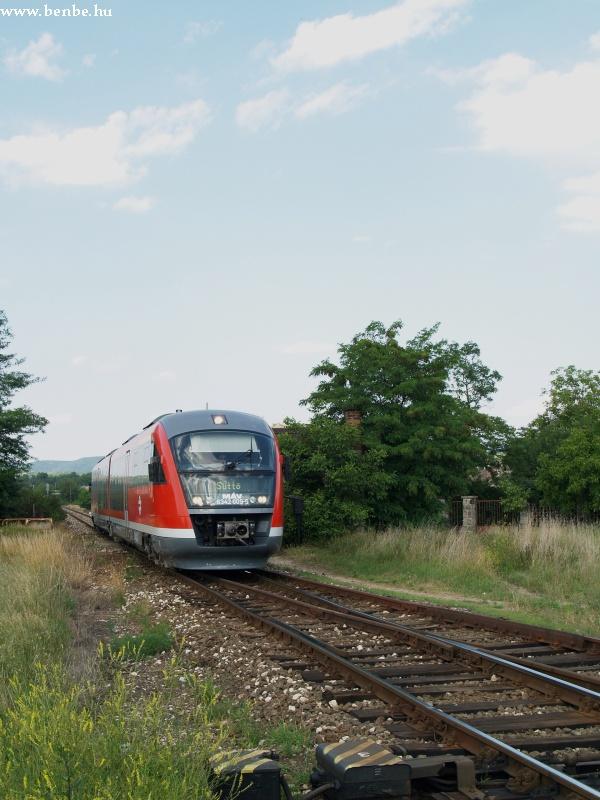 Esztergom-Kertváros másik végén egy Desiro jár be fotó