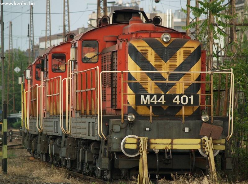 M44 401 és még jónéhány másik a Nyugatiban fotó