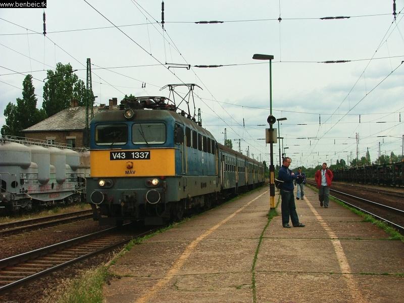 V43 1337 Budaörsön fotó