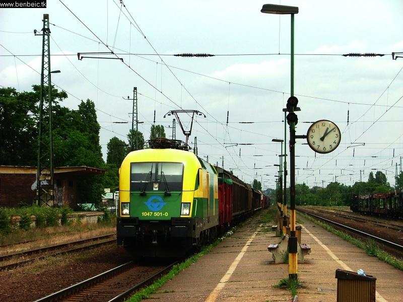1047 501-0 Budaörs állomáson fotó