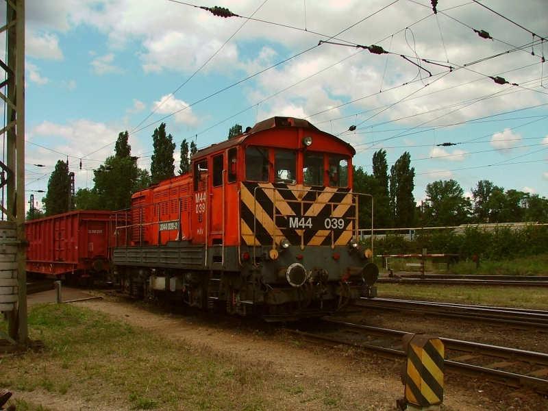 The M44 039 at Ferencváros photo