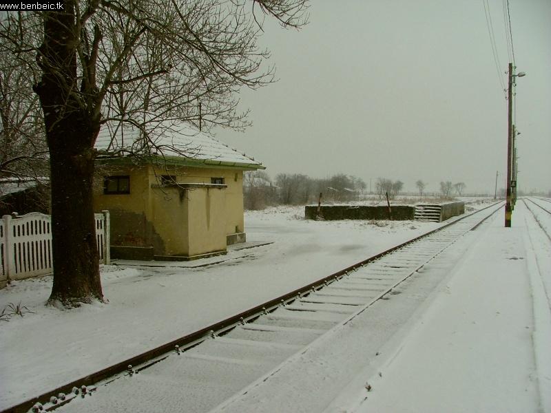 Egy évvel a kép után itt már a kiürítõ szolgálati vonat fog járni. Nincs több szilveszteri szolgálat. fotó