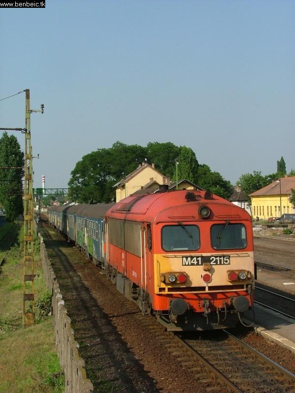 M41 2115 Kispest állomáson fotó