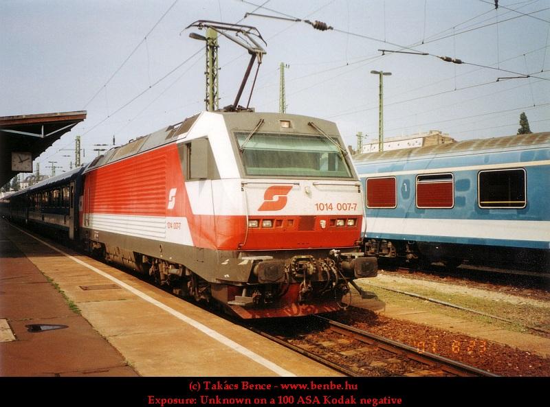 Az ÖBB régi logóját viselõ 1014 007-7 a Keleti pályaudvaron fotó