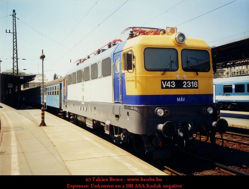 V43 2318 a Keleti pályaudvaron fotó