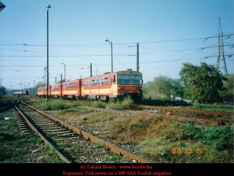 Bzmot 217 Óbuda állomásra érkezik fotó