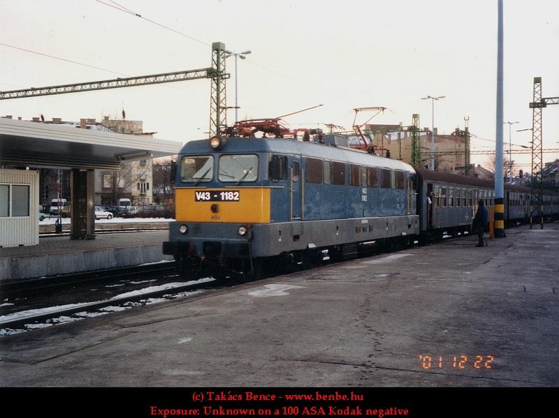 V43 1182 a Déli pályaudvaron fotó