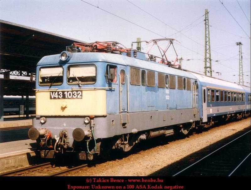 V43 1032 a Keleti pályaudvaron fotó