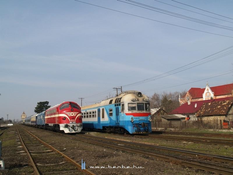 D1 632-3 és M61 001 Nagyszőlősön fotó