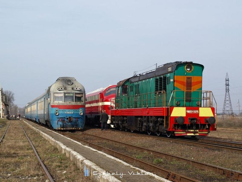 A MÁV-Nosztalgia M61 001, az Ukrán Vasutak ЧМЭ3-3375 és a D1 563-3 Tiszaújlakon fotó