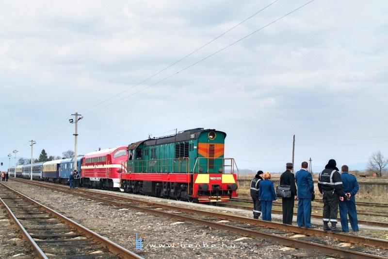 CsME3-3375 Nevetlenfaluban (Неветленфoлу/ДЯКОВО) a K�rp�talja-expresszel fot�