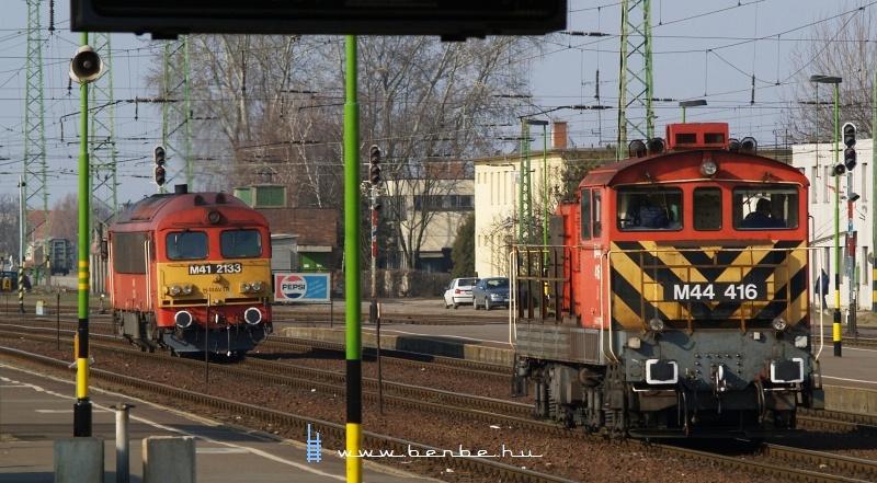 M41 2133 és M44 416 Debrecenben fotó
