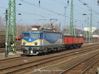 The Rolling Stock private freight operator's 40 0167-3 Romanian-built electric locomotive at Ny�reyh�za