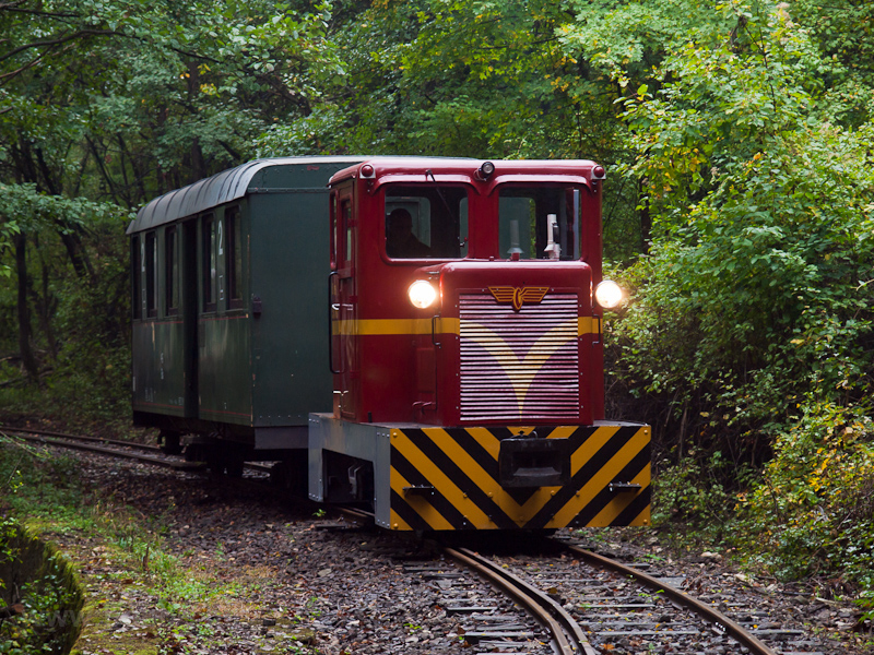 The Mátravasút C50 403 seen between Cserkő and Őrlőmű photo