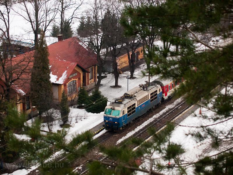 A ŽSSK 350 004-8  Hugo  Sztrecsény megállóhelyen fotó
