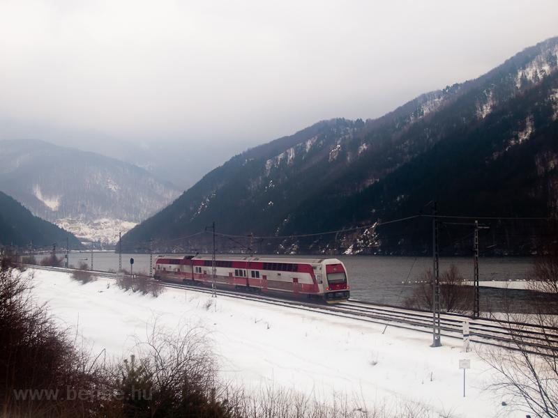 Új emeletes motorvonat Kerpelény (Kr'pelany, Szlovákia) és Sutó (Sútovo, Szlovákia) között fotó