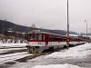 A 813 035-3 pályaszámú Csuklósbézé Felsőstubnya állomáson