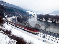 A 362 dual-system electric locomotive with fast train R 604 Dargov between Kralov�n and Sut�