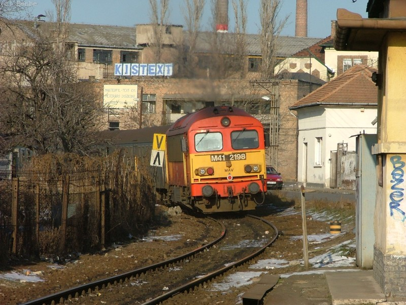The M41 2198 arrives to Kispest photo