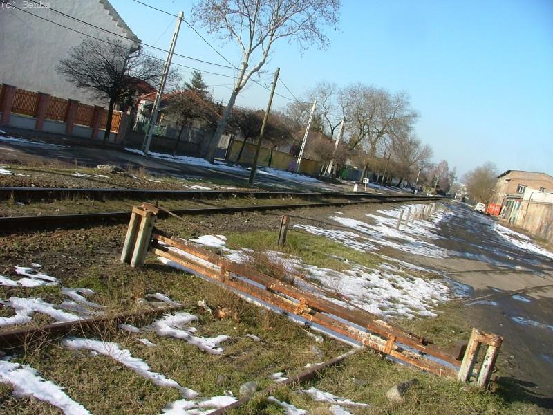 Egy iparvágány ágazik ki Kispest elõtt fotó