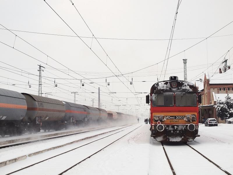 MDmot 3003 Karcag állomáson fotó