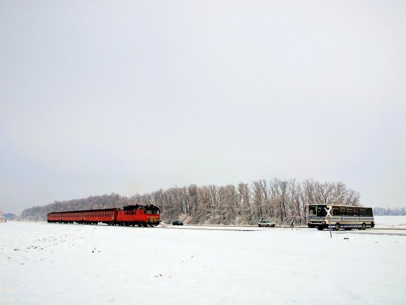 MÁV vonatpótló autóbusz a 1 fotó